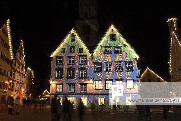 Häuserfassaden mit Lichtshow-Effekten,  Marktplatz in Biberach an der Riß,  Landkreis Biberach,  Oberschwaben,  Baden-Württemberg,  Deutschland,  Europa