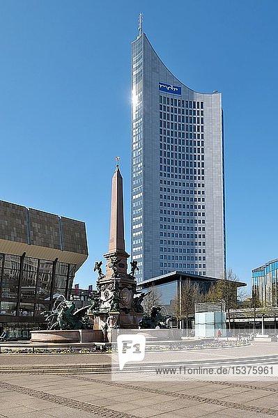 Mendebrunnen mit City-Hochhaus  Leipzig  Sachsen  Deutschland  Europa