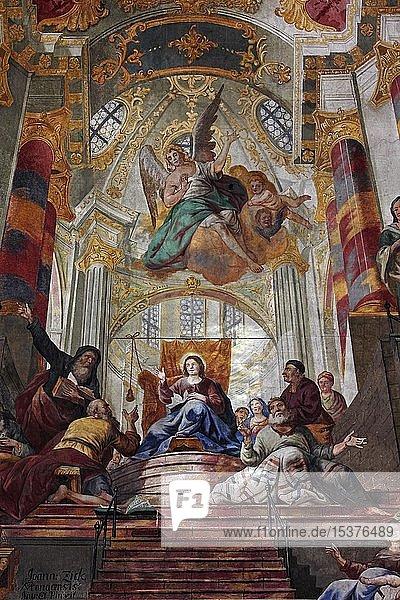 Deckengemälde von Johannes Sick  gotische  barockisierte  simultane Stadtpfarrkirche St. Martin  Biberach an der Riss  Oberschwaben  Baden-Württemberg  Deutschland  Europa