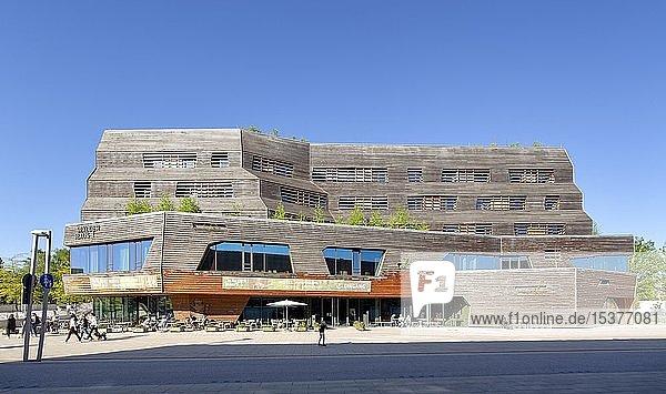 Wälderhaus  Hotel und Ausstellungsgebäude  Holzhaus  Internationale Bauausstellung Hamburg  IBA  Wilhelmsburg  Hamburg  Deutschland  Europa