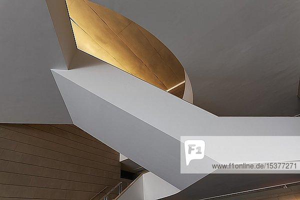 Museum der modernen Kunst  Treppenhaus  Institut Valencià d 'Art Modern  IVAM  Stadtteil Carme  Valencia  Spanien  Europa