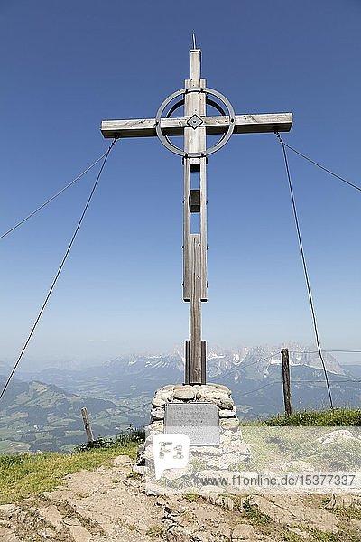 Gipfelkreuz am Kitzbüheler Horn  Kitzbühel  Tirol  Österreich  Europa