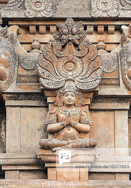 Gottheit  Ornament der FassadeSri Krishna Tempel  Hampi  Indien  Asien