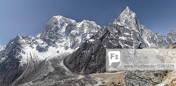 Ngozumba-Gletscher  Cho Oyu  Sagarmatha-Nationalpark  Everest-Basislager-Trek  Nepal