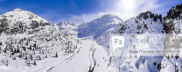 Österreich  Tirol  Kaunertal im Winter  Luftaufnahme