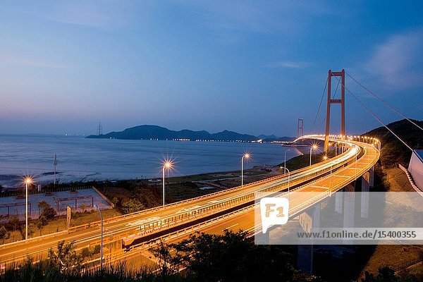 Zhoushan city  zhejiang province xihoumen sea-crossing bridge