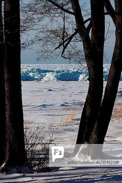 Icy coast in Kiiu-Aabla