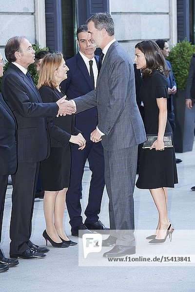 King Felipe VI of Spain  Queen Letizia of Spain  Pedro Sanchez  Prime Minister  Ana Pastor attends Alfredo Perez Rubalcaba Funeral Chapel In Madrid at Congreso de los Diputados on May 10  2019 in Madrid  Spain