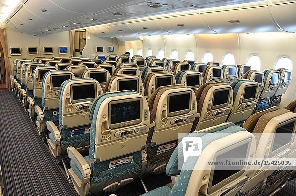 Aviation: A-380 Economy-Class from Singapore Airlines.
