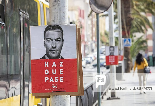 Las Palmas  Gran Canaria  Canary Islands  Spain. 12th April 2019. Election posters adorn the streets of Las Palmas on the first day of campaigning. ahead of the general election in Spain on 28th April 2019. PICTURED: Campaign. poster for the current prime minister  Pedro Sanchez of the PSOE party. Slogan says Haz Que Pase (make it happen).