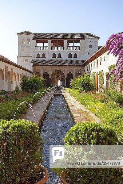 The Court of la Acequia  Generalife Palace  Granada  province of Granada  Andalusia  Spain.