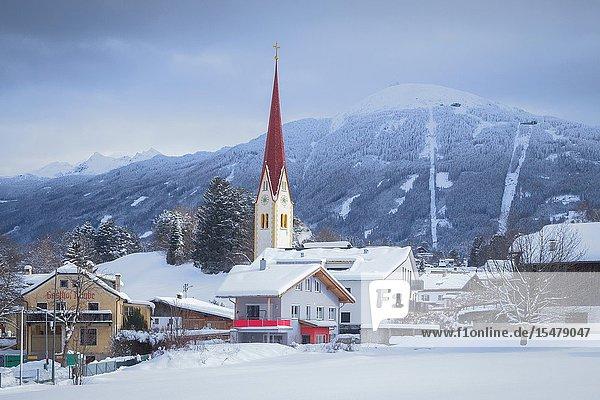 The village of Vill in winter  Innsbruck  Tyrol  Austria  Europe.
