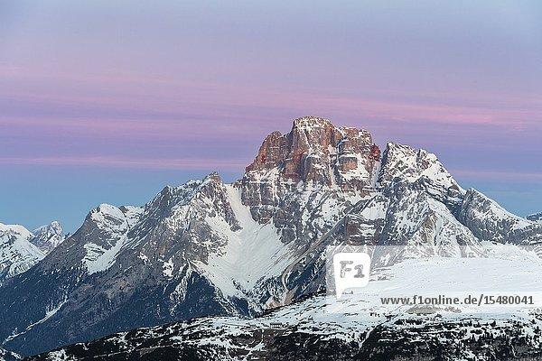 Mount Campedelle  Misurina  Auronzo di Cadore  province of Belluno  Veneto  Italy  Europe. Dawn over the Mount Croda Rossa d'Ampezzo.