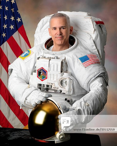 Official Astronaut Portrait of Lee Morin - Individual EMU photo. Photo Date: August 30  2010. Location: Building 8  Room 272 - Photo Studio.