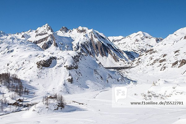 The cross-country ski trails in Riale  Formazza Valley  Verbano Cusio Ossola Province  Piedmont  Italy  Europe.