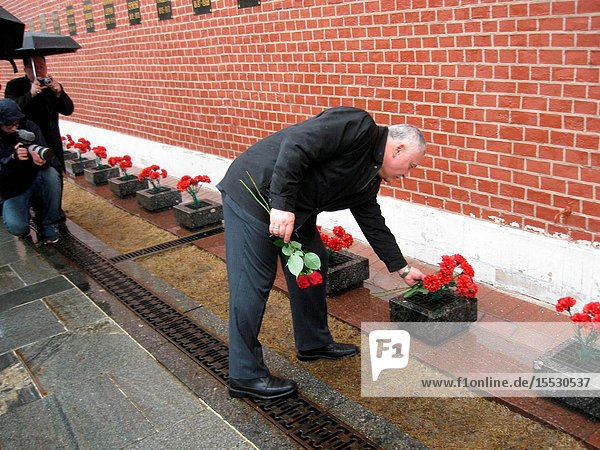 At the Kremlin Wall in Red Square in Moscow  Expedition 51 crewmember Fyodor Yurchikhin of the Russian Federal Space Agency (Roscosmos) lays flowers at the site where Russian space icons are interred during traditional ceremonies April 3. Yurchikhin and Jack Fischer of NASA will launch April 20 on the Soyuz MS-04 spacecraft from the Baikonur Cosmodrome in Kazakhstan for a four and a half month mission on the International Space Station. Photo: NASARob Navias.