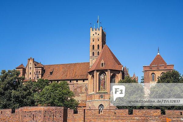 Die Marienburg  mittelalterliche Ordensburg des Deutschen Ordens in Malbork  Polen  Europa | The Castle of the Teutonic Order in Malbork  Poland  Europe.