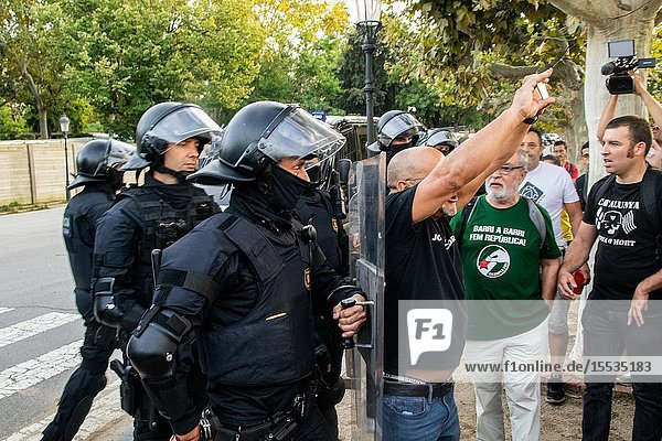 September 11  2019 - Manifestation against the catalan politicians in front of the Catalonia Parliament in Barcelona.