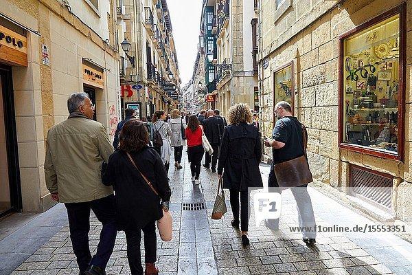 Group of tourists  Old town  San Sebastian  Donostia  Gipuzkoa  Basque Country  Spain  Europe