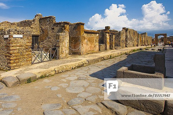 Public water fountain  Excavations of Pompeii  was an ancient Roman town destroyed by volcan Mount Vesuvius  Pompei  comune of Pompei  Campania  Italy  Europe.