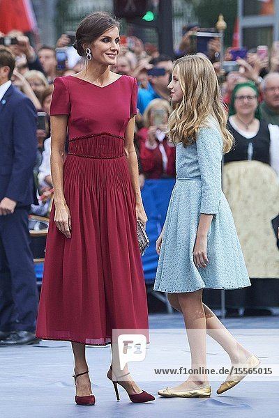 Queen Letizia of Spain  Crown Princess Leonor arrived to Campoamor Theater for the Princesa de Asturias Award 2019 ceremony on October 18  2019 in Oviedo  Spain