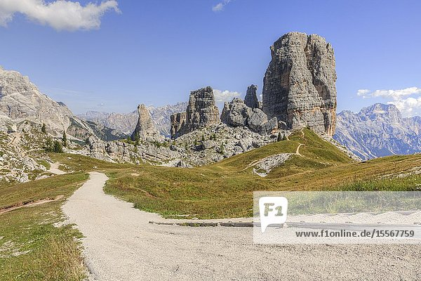 Cinque Torri  Cortina d'Ampezzo  Belluno  Veneto  Dolomites  Italy  Europe.