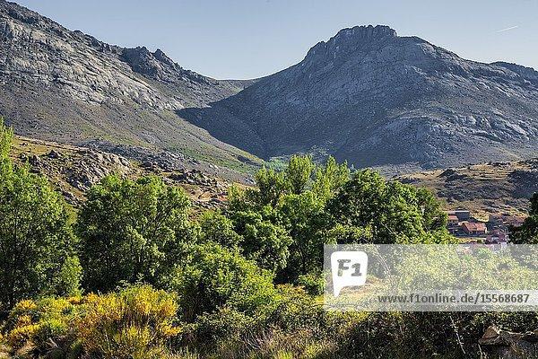 Knife pass and Goat cliff in Sierra Paramera at Navandrinal. Avila. Spain. Europe.