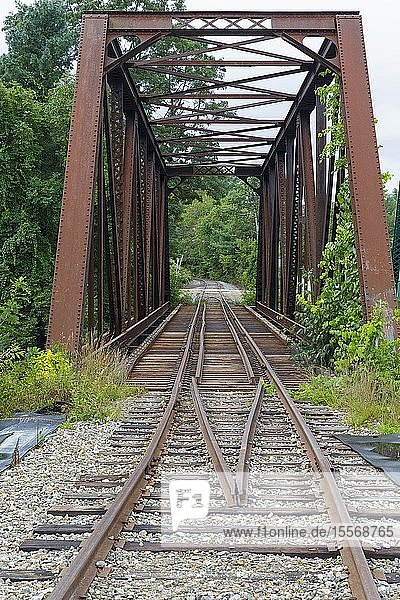 Railroad bridge  near today?s Common Man Inn & Spa  along the old Pemigewasset Valley Railroad in Plymouth  New Hampshire. Eventually leased to the Boston & Maine Railroad in 1895  the Pemigewasset Valley Railroad connected Plymouth to North Woodstock.