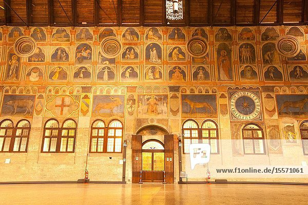 The great hall of the Palazzo della Ragione  with the largest roof unsupported by columns in Europe Padua  Italy  Europe.