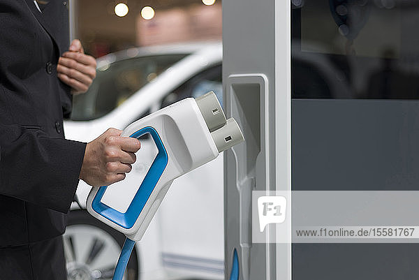 Laden von Elektrofahrzeugen  Nahaufnahme