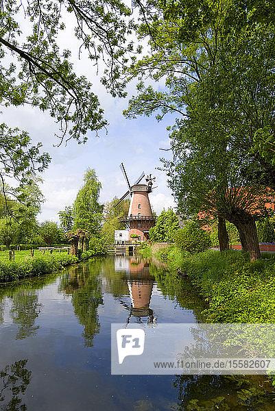 Deutschland  Nordrhein-Westfalen  Lahde  Windmühle