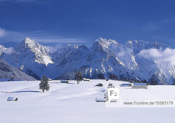 Deutschland  Bayern  Blick auf das Karwendelgebirge
