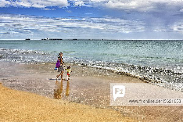 Nilaveli beach and the Indian Ocean  Trincomalee  Sri Lanka  Asia
