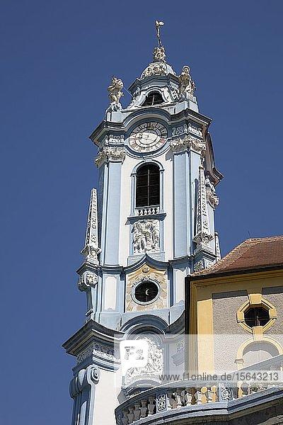 Turm der Stiftskirche  Stift Dürnstein  Dürnstein  Wachau  Niederösterreich  Österreich  Europa