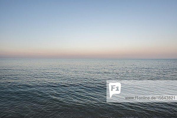Mittelmeer  Abenddämmerung  Korsika  Frankreich  Europa