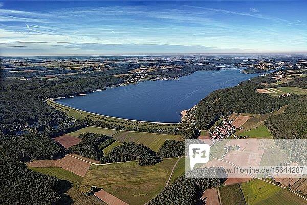 Großer Brombachsee  Stausee  vorne rechts Allmansdorf  Fränkisches Seenland  Mittelfranken  Franken  Bayern  Deutschland  Europa