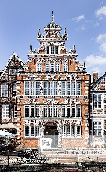 Bürgermeister-Hintze-Haus  historisches Kaufmanns- und Speicherhaus  Weser-Renaissance  Hansehafen  Altstadt  Stade  Niedersachsen  Deutschland  Europa