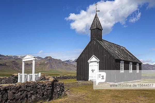 Schwarze Holzkirche  Budir Kirka  Búðakirkja  Budir  Halbinsel Snaefellsnes  Westisland  Vesturland  Island  Europa