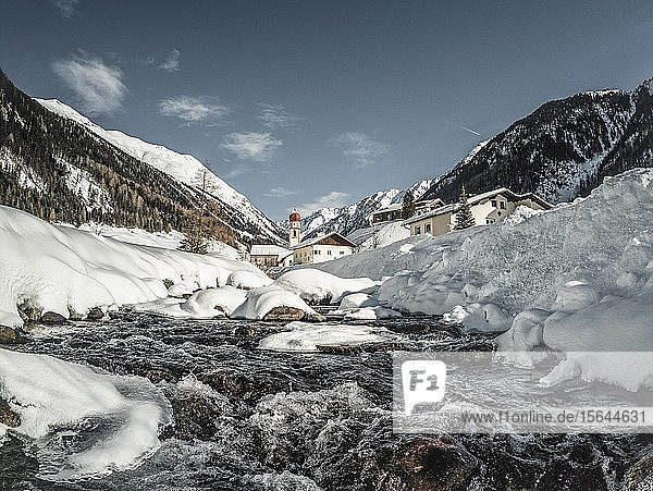Wildbach  Horlachbach in Niederthai  Ötztal  Tirol  Österreich  Europa