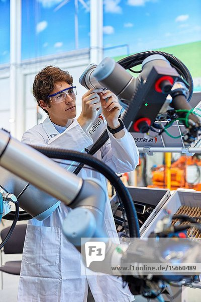 Use of flexible robotics in industrial manufacturing processes  Mobile robot  Advanced manufacturing Unit  Technology Centre  Tecnalia Research & Innovation  Donostia  San Sebastian  Gipuzkoa  Basque Country  Spain