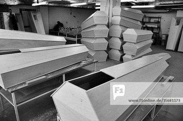 Zürich city: the social department workers in Tramontis are producing coffins for poor peopleâ.s funeral.