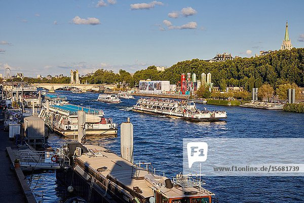Tourist boat  River Seine  Paris  France