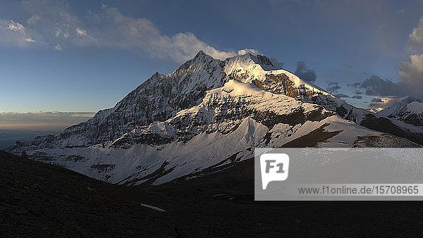 Tukuche-Gipfel  Dhaulagiri-Rundwanderung  Himalaya  Nepal