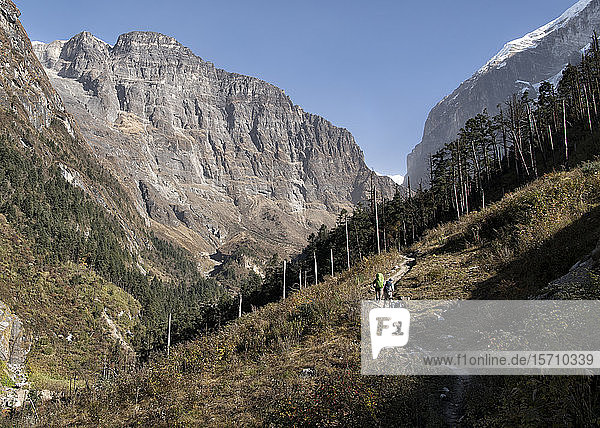 Dhaulagiri Circuit Trek at Dobang  Himalaya  Nepal