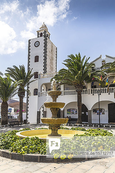 Spain  Balearic Islands  Lanzarote  San Bartalome  Townhall and fountain