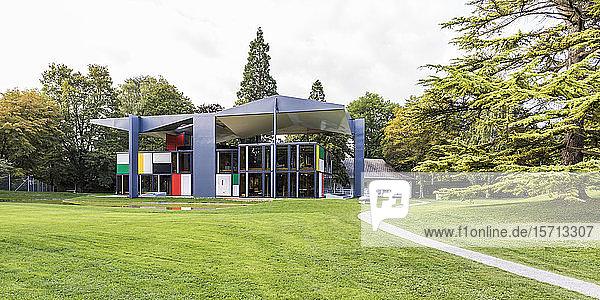 Switzerland  Canton of Zurich  Zurich  Lawn in front of Pavillon Le Corbusier art museum