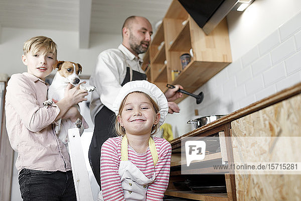 Familienkochen in der Küche