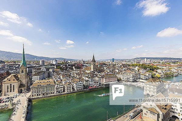 Schweiz,  Kanton Zürich,  Zürich,  Fluss Limmat,  der durch die Altstadt von Zürich fließt