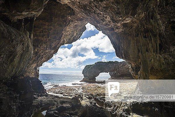 Talava Arches  Felsbögen  Südpazifik  Niue  Ozeanien