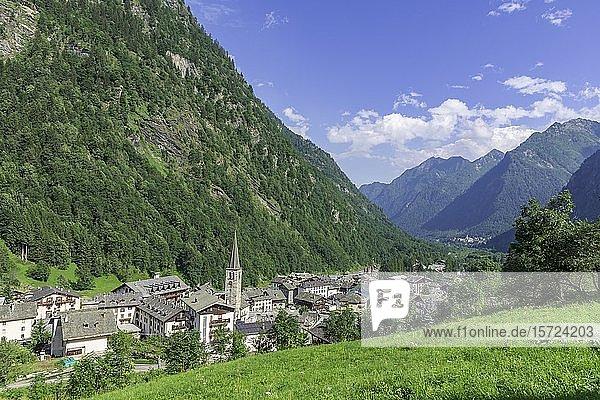Ortsansicht  Alagna Valsesia  Provinz Vercelli  Piemont  Italien  Europa